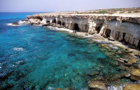 A Földközi tenger partja Cyprus