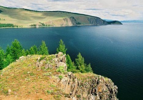 Bajkál tó, a Földközi tenger legmélyebb tava  Oroszország