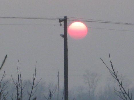 Lemegy a nap