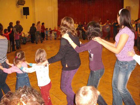 táncház2010febr 050