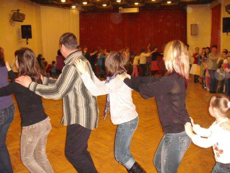 táncház2010febr 052
