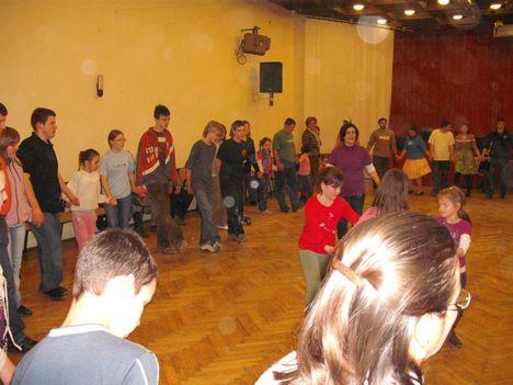 táncház2010febr 087
