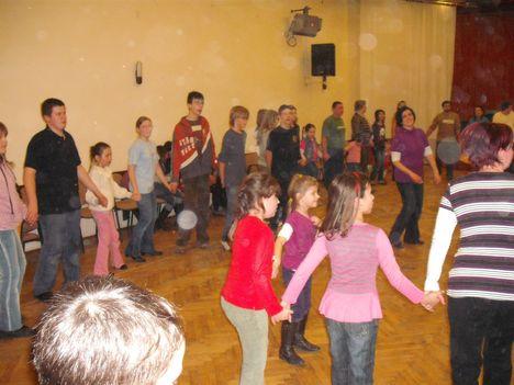 táncház2010febr 088