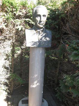 Zala_ 130_Zegerszeg_Falumúzeum_Papp Simon szobor