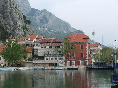 Omis a Cetináról