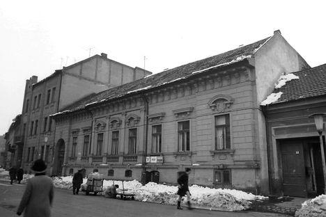 Jókai utca 1