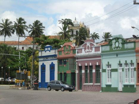 Olinda, a part menti utca szépen felújított házai