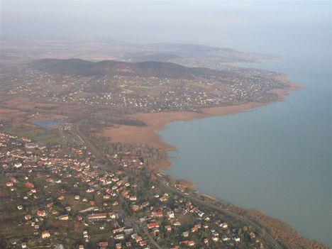Panoráma a Balatonról. 2.
