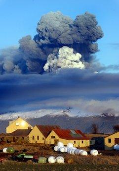 a kitört izlandi tűzhányó