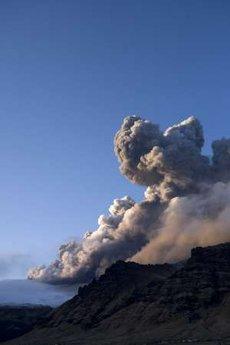 Európa felé kúszik a vulkáni hamu 6-11 ezer méter magasságban