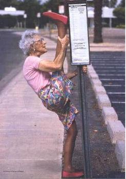 Öreg néni nem vén néni