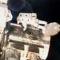 Ricj Mastracchio a Quest légzsilipből kilépve megkezdi az űrsétát (NASA)