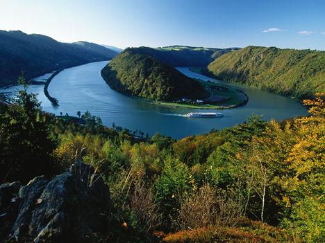 A schlögeni Duna-kanyar