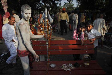 A Sadhuk nem csak szent emberek, valódi példaképnek számítanak a hinduk körében