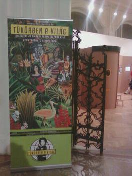Tükörben a világ kiállítás az Iparművészeti Múzeumban