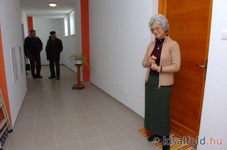 Idősek, nyugdíjasok otthona 11