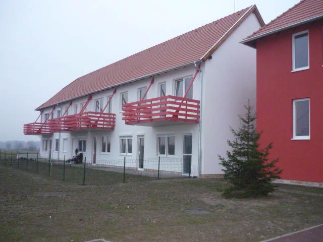 Nyugdíjas lakópark győrújfalu