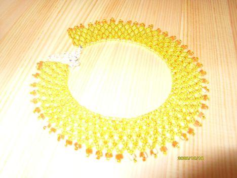 sárga csipke