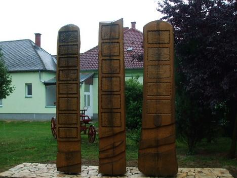 A falu történelmi emlékműve