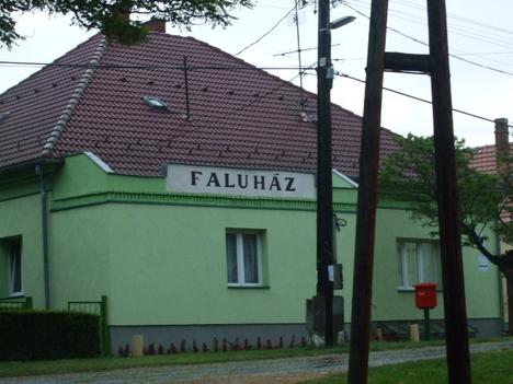 Faluház