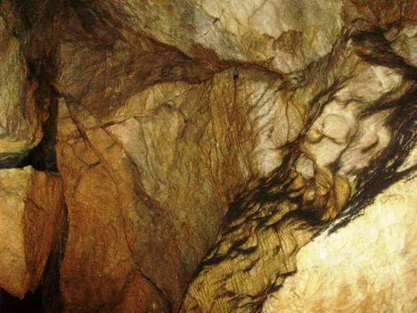 Ismerkedés a Pálvölgyi Barlang kincseivel. 30