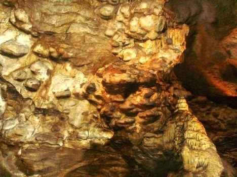 Ismerkedés a Pálvölgyi Barlang kincseivel. 32