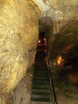 Ismerkedés a Pálvölgyi Barlang kincseivel. 55