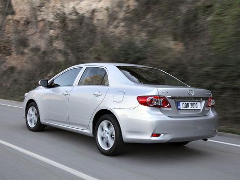 Toyota corolla-sedan-2010
