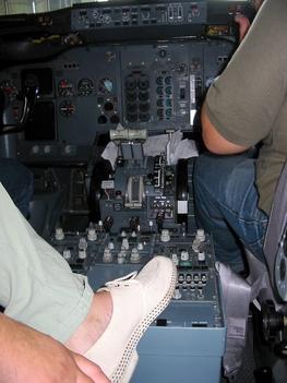 ferihegy belülről Malév Boeing 737-400 pilótájaként