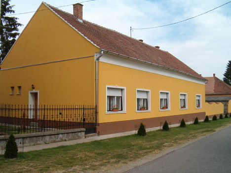 Rábaközi Vendégház és Sobri Jóska Betyártábor