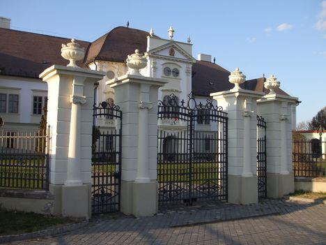 Szécsény-kastély bejárata