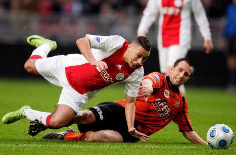 Ajax - Ismail Aissati mindent megtesz a labdáért