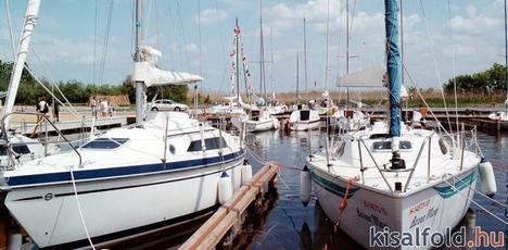 Kikötő 1