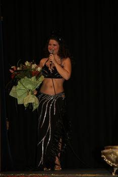 Belly Bea hastánc előadása