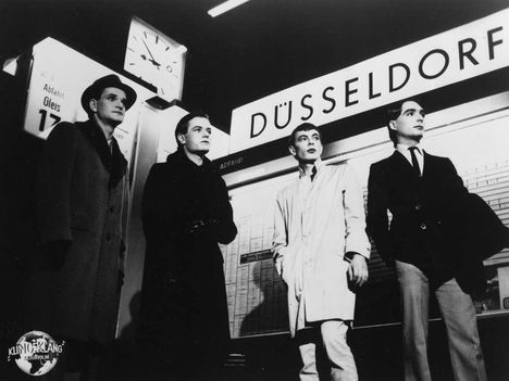kraftwerk_promo_photo_1977_1024