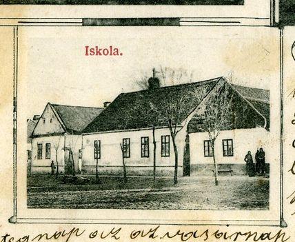 Iskola a 1900-as évek legelején(valószínűleg 1878-ban épült)