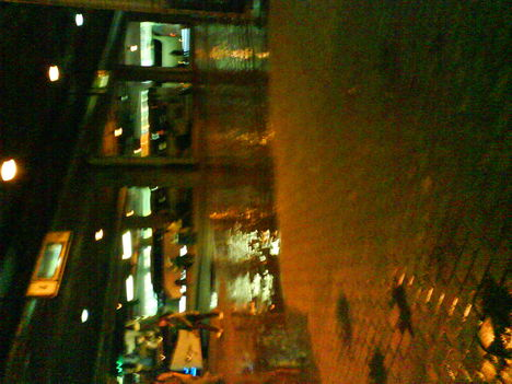 Állt a víz a Népstadioni megállóba is!