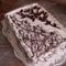 Csokirózsával diszitve