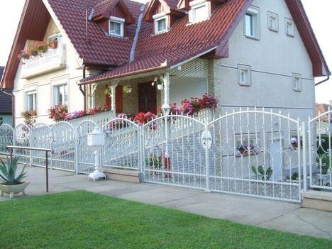 kapu+kerítés