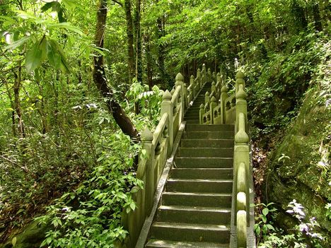 carefree valley stairs to abandoned temple