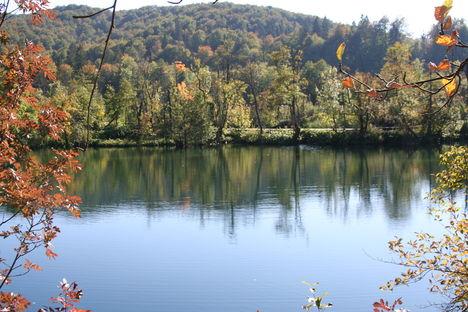 Plitvicei tavak, kora ősszel.