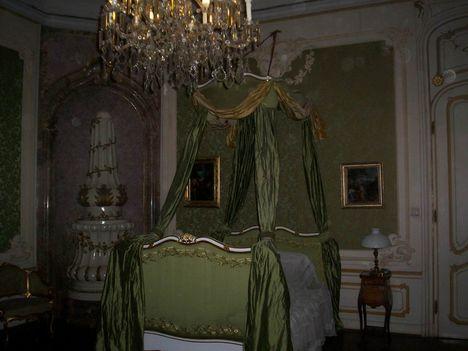 Kastély egyik szobája