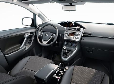 2010 Toyota Yaris Verso
