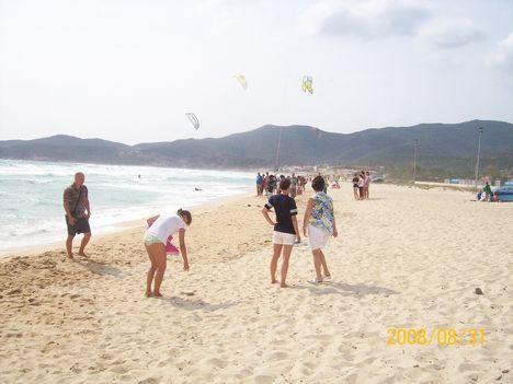 szeles reggel a strandon
