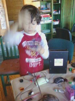 Juan kezeinek nagy sebességű járásával készülnek a találékonyságról árulkodó játékok