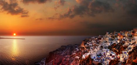 Oia, Santorin Island, Greece (by gbatistini)