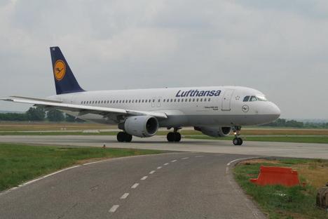áthalad a Lufthansa