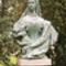 Erzsébet királyné makói szobra a József Attila Múzeum kertjében áll
