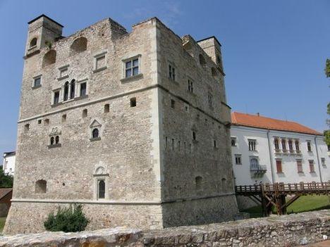 Sárospatak, Rákóczi-vár, Vörös-torony