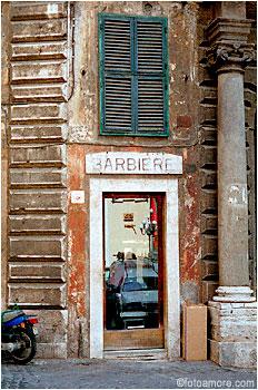 Egy római figaró üzlete